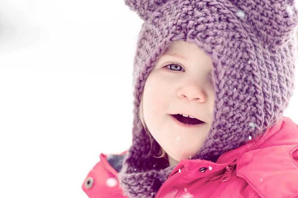 Kind im Winterspaß